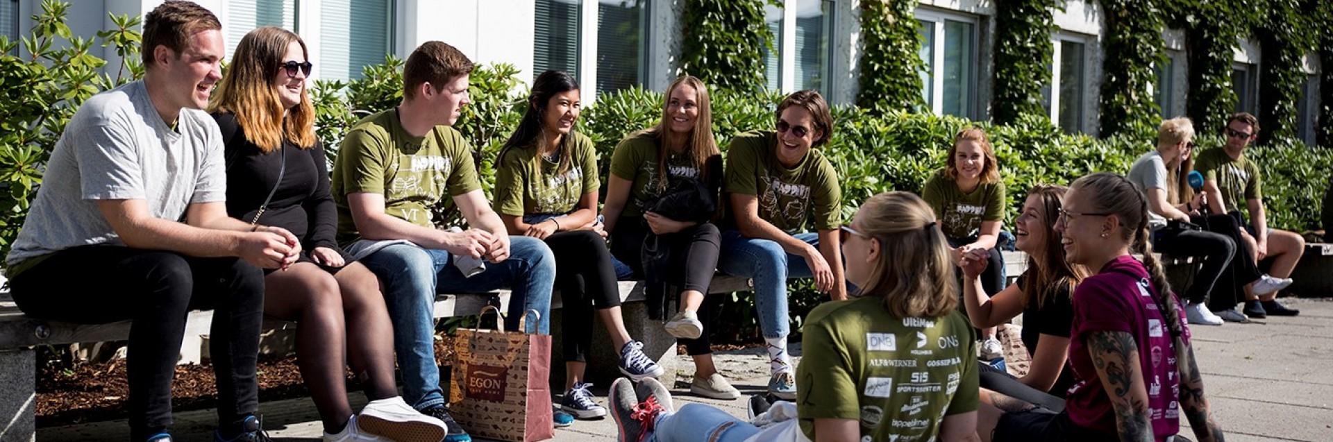 Semesterstart, faddergruppe på campus Ullandhaug