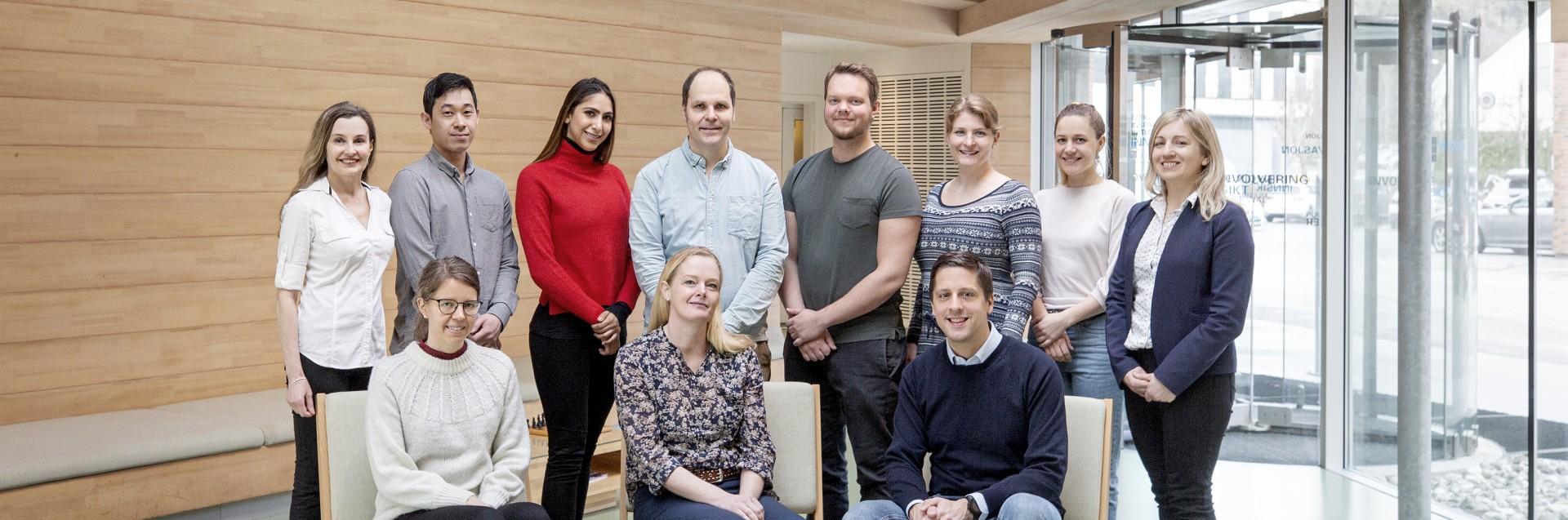 Gruppebilde av ansatte tilknyttet medisinersatsing