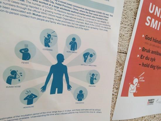 Informasjonsplakat om smittevern under COVID-19-pandemien.