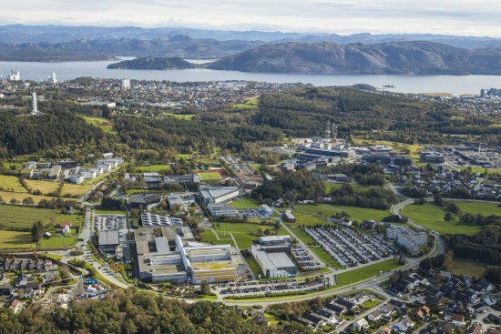 Dronefoto av campus Ullandhaug