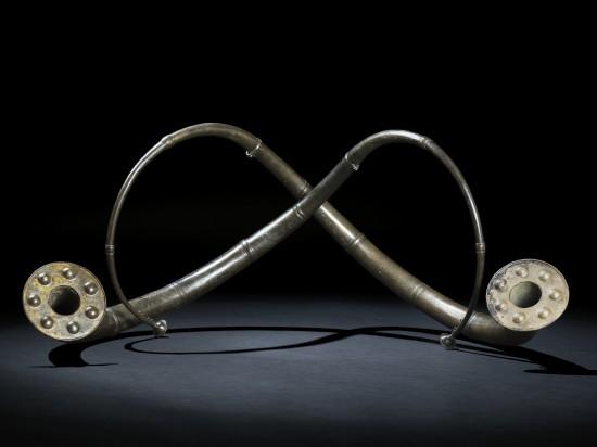 Bronselurer. Funnet på Revheim. Fra yngre bronsealder. Foto: Annette Øvrelid, Arkeologisk museum, UiS