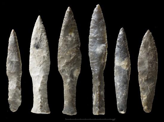 Flintdolker fra steinalder. Foto: Annette Øvrelid, Arkeologisk museum, UiS