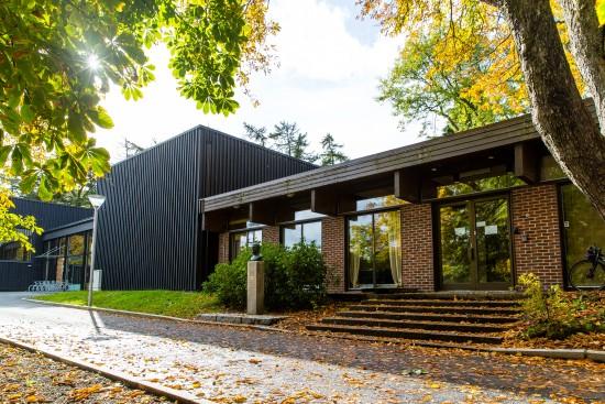 Bygg 2 i Bjergstedparken, gamle kulturskolen.  Foto: Marius Vervik