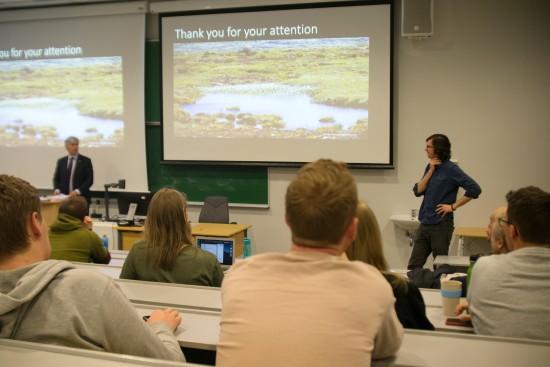 forelesning med Ola Elvestuen. Foto: Mari Hult