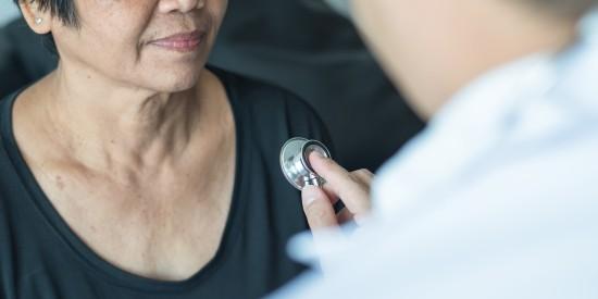Pasientundersøkelse med stetoskop