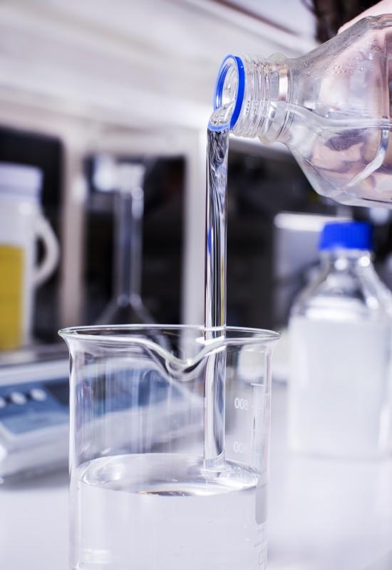 Polymer, lab, smartvann. Foto: Elisabeth Tønnessen