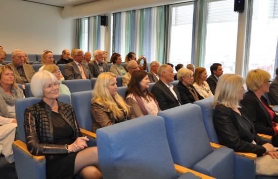 Publikum i salen under den offisielle åpningen av Læringsmiljøsenteret 8. mai 2013.