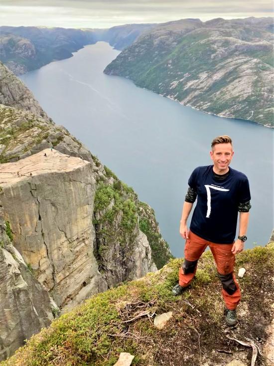 UiS-alumn Gaute Løvset studerte reiselivsledelse på UiS og jobber i dag som Head of Sales & Market i reiselivsselskapet Norwegian Experience.