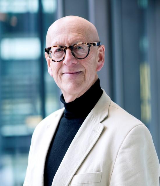 Portrett av professor Harald Røstvik