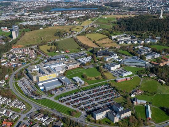 Flyfoto som viser Campus Ullandhaug