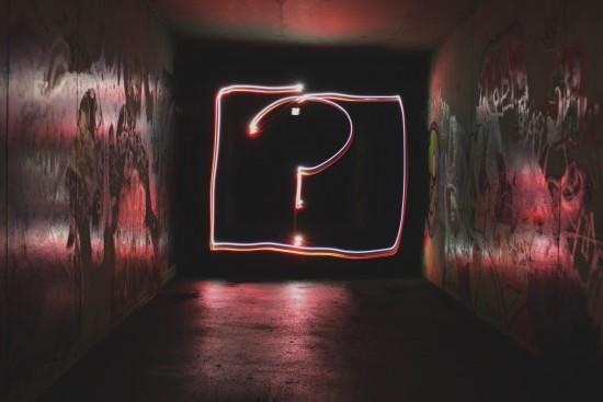 spørsmåltegn - by Emily Morter