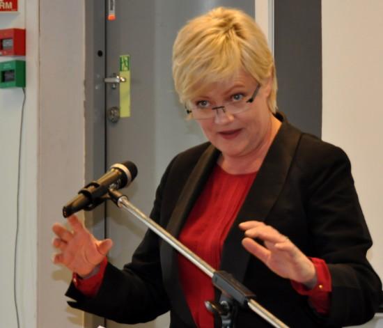 Kunnskapsminister Kristin Halvorsen under den offisielle åpningen av Nasjonalt senter for læringsmiljø og atferdsforskning (Læringsmiljøsenteret)