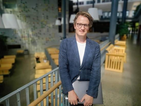 Studieprogramleder for psykologi, Jone R. Bjørnestad, i Arne Rettedals hus.