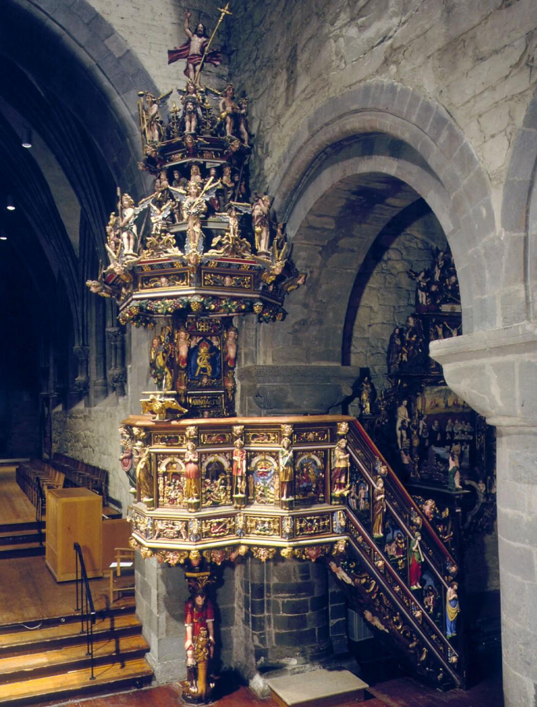 Bilde av prekestolen i Stavanger domkirke